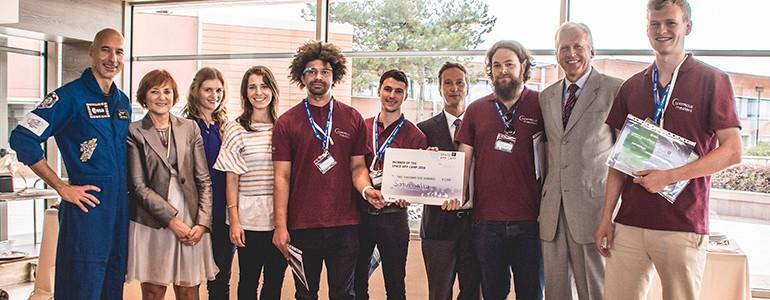 Studente unipv premiato dall'astronauta Luca Parmitano