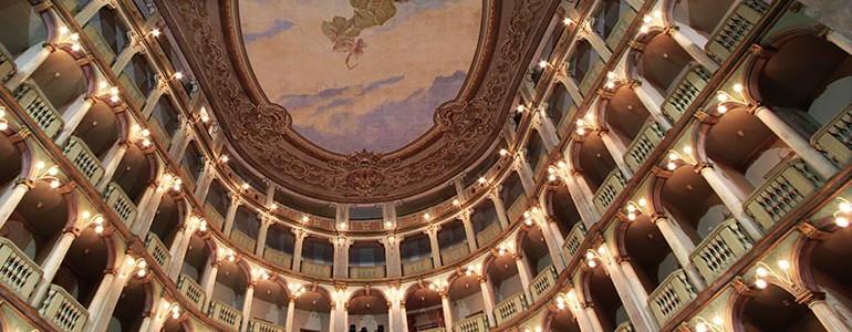 Al via la nuova stagione del Teatro Fraschini. I registi incontrano gli studenti