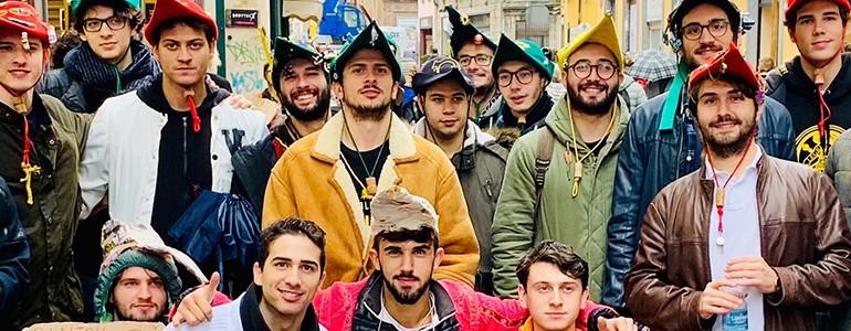 """I goliardi """"liberano"""" le scuole superiori di Pavia"""