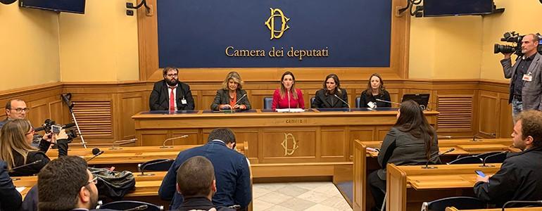 Presentato alla Camera il disegno di legge per lo sviluppo delle radio universitarie (video)